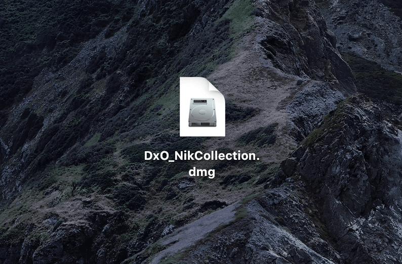 DxO_NikCollection.dmg』がダウンロードされるので、ダブルクリックで開く