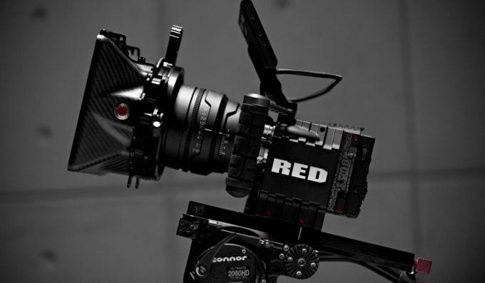 シネマカメラ RED