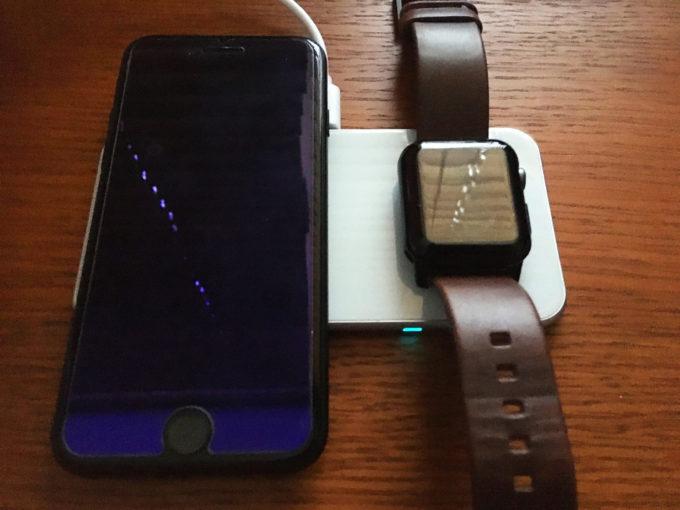 卓上ワイヤレス充電器 Aouevyo iPhone SE 2 Apple Watch