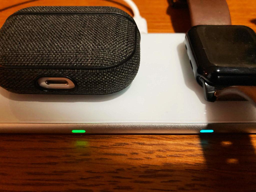 卓上ワイヤレス充電器 Aouevyo 給電中 ライト